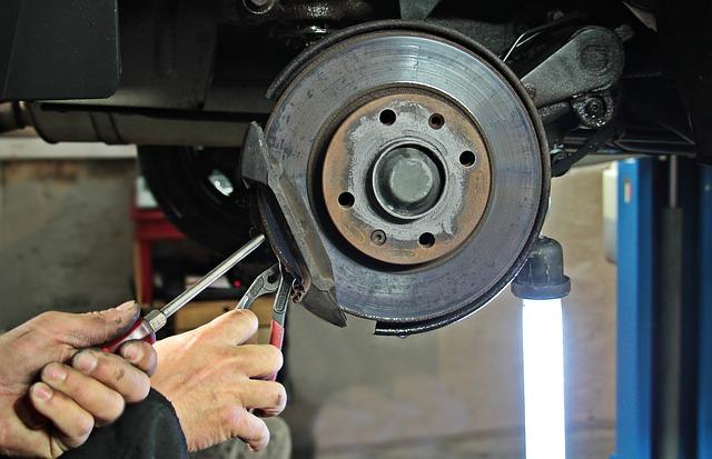 auto-repair-1954636_640